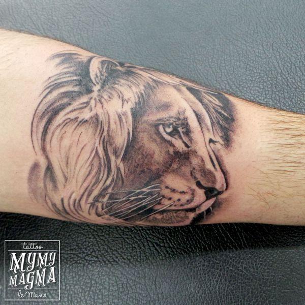 Tatouage d un portrait de lion